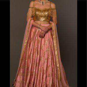 Dresses & Skirts - Rose dress